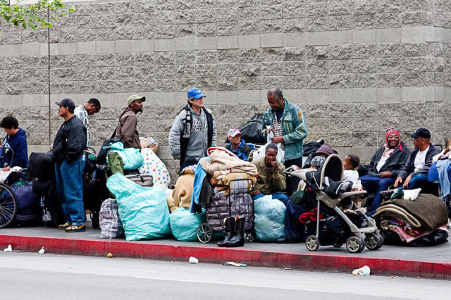 Mapping homelessness deconcrete for Los angeles homeless shelter